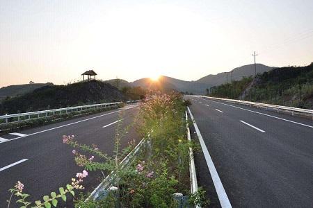 公路工程招标需具备哪些条件?