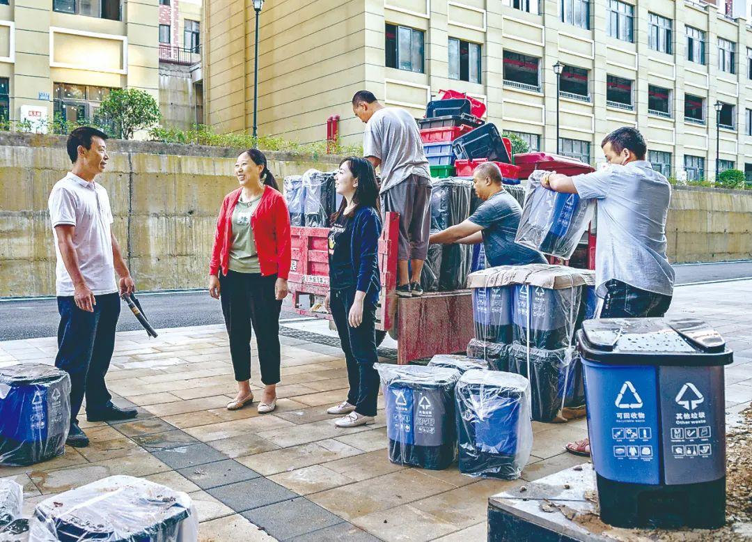 利用环卫设备受贿、定制招标书…清扫城市管理腐败乱象(附视频)